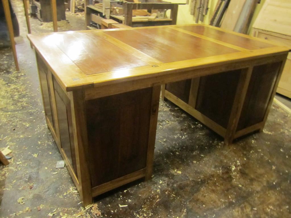Partners Desk Single Sided (Poplar and Walnut)